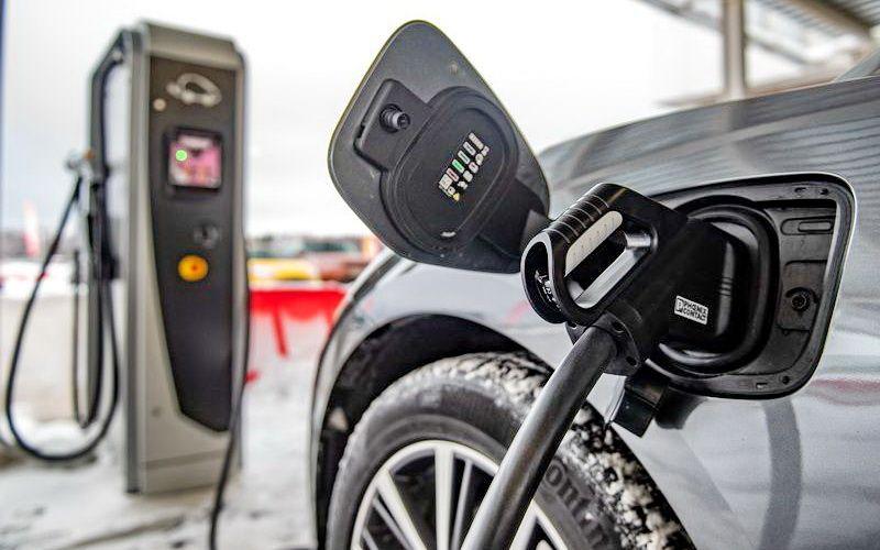 В США появится сеть электрозарядочных станций BMW